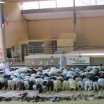 Les fidèles en prosternation